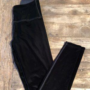 Beyond Yoga velvet pants XS worn once